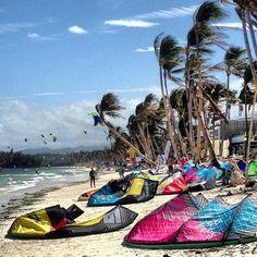 The other side of Boracay Island. #kitesurfing #boracay #itsmorefuninthephilippines #kiteboarding #travel