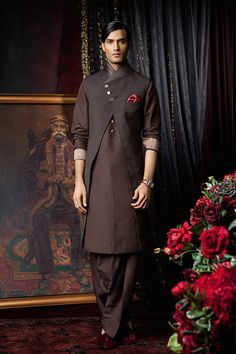 Indian fashion tarun tahiliani indian wedding traditional me Men's Fashion, Indian Men Fashion, Mens Fashion Suits, Tarun Tahiliani, Sherwani, Indian Groom Wear, Indian Man, Vogue, Girls Gallery