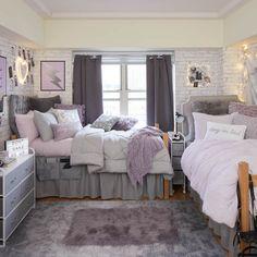 Dorm Room Designs, Room Design Bedroom, Room Ideas Bedroom, Dorm Room Themes, College Bedroom Decor, College Room, Girls Bedroom Decorating, Dorms Decor, Cozy Room