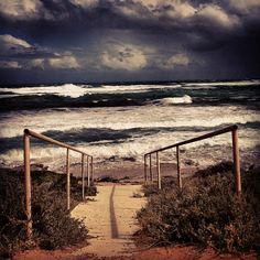 #flatrocks #greenough #australia #westernaustralia #surf #waves #ocean #sea #rough #stormy #clouds #cloud #cloudporn #sky #skyporn #gerogram #beach #momentsinthesun by bearclaire79