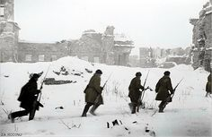 Russian soldiers advance to attack the Germans | Flickr - Photo Sharing!