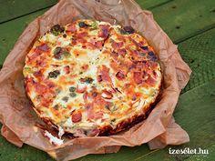 Lusta reggeli vagy gyors vacsora? A tojásos lepény összetevői tetszés szerint variálhatóak! Egg Dish, Veggie Recipes, Veggie Meals, Hawaiian Pizza, Bologna, Quiche, Food To Make, Food And Drink, Veggies