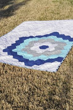 Moda's New Precut: Honeycombs + A Quilt « Moda Bake Shop Baby Quilts, Memory Quilts, Quilt Patterns Free, Diy Arts And Crafts, Quilt Tutorials, Quilting Designs, Hexagon Quilting, Honeycombs, Super Excited