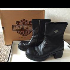 Harley Davidson black leather biker boots size 9 LIKE NEW & in Original Box…