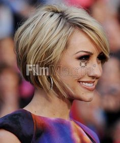 everytime I think okay time to grow out some Crystal Gale locks...I find cute short hair pics!  LOVE THIS!