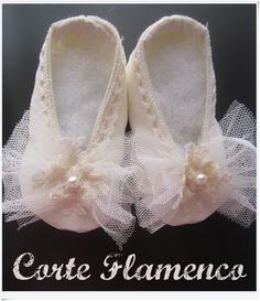 Zapatos para bautizo, mas en www.corteflamenco.com