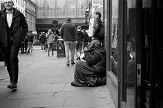 https://flic.kr/p/PCFgoW | Glasgow Begging Scam | Glasgow. 03.12.2016 Leica M7; 50mm APO-Summicron; HP5; Rodinal