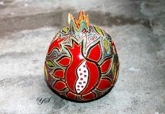 #гранаты #pomegranates #керамика #ceramics #forthehome #homedecor #souvenir Garden Totems, Pomegranates, Ceramics, Souvenir, Ceramica, Pottery, Ceramic Art, Clay Crafts, Porcelain