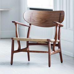 CH22 lounge chair by Hans Wegner for Carl Hansen & Son