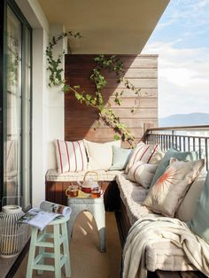 Amazing Small Apartment Balcony Decorating Ideas Apartment Decor The exterior of your small apartment balcony can make it a welcoming and comfortable place to spend time in your own home. House Balcony Design, Interior Balcony, Small Balcony Design, Small Balcony Decor, Apartment Balcony Decorating, Outdoor Balcony, Apartment Balconies, Cool Apartments, Home Interior Design