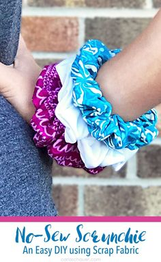 These would be perfect for sleepovers! Use Fabric Scraps to make No-Sew Scrunch… These would be perfect for sleepovers! Use Fabric Scraps to make No-Sew Scrunchies. Easy Craft Idea for using up your stash. Scrap Fabric Projects, Fabric Scraps, Quilting Fabric, Sewing Projects, Diy Projects, Fabric Rug, Buy Fabric, Felt Fabric, Fabric Shop