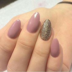 100 Beautiful Almond Glitters Nail Art Ideas and Colors That You Will Love