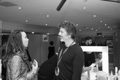 Fabien Provost répond avec plaisir aux questions de la présentatrice Anne-Gaëlle Riccio. Music Awards 2014, Nrj Music, Questions