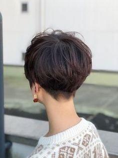 【2019年冬】メリハリショート×パープルピンク/savon hair design casa+ 【サボン ヘア デザイン カーザ】のヘアスタイル|BIGLOBEヘアスタイル Short Hair Back View, Very Short Hair, Short Hair Cuts For Women, Short Hair Styles, Short Wedge Hairstyles, Layered Bob Hairstyles, Short Hairstyles For Women, Haircut And Color, Hair Affair