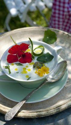 Spiselige blomster - få opskrifterne af ISABELLAS