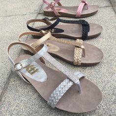 Plata, oro, negro o rosa... Nos encantan las #sandalias bio metalizadas de XTI. ¿Qué color te quedas?
