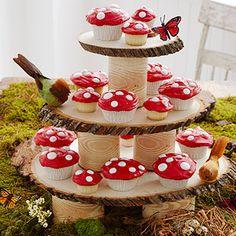 Cupcakes con forma de honguitos para una fiesta de Campanita, Hadas o de Mario Bros.
