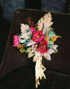 Google Image Result for http://images.oncewed.com/wp-content/uploads/2011/12/gold-fall-wedding-bouquet.jpg%3F9d7bd4