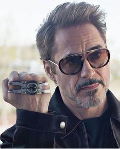 Who Love this man in realife and in movie? Hero Marvel, Marvel Dc, Marvel Room, Robert Downey Jnr, Tony Stank, Iron Man Art, Iron Man Avengers, Avengers Art, Ironman