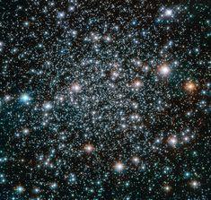 Em abril de 1990, o Telescópio Espacial Hubble foi lançado no espaço. Confira 9 imagens maravilhosas captadas pelo telescópio nos últimos anos. Prepare-se para uma jornada encantadora.