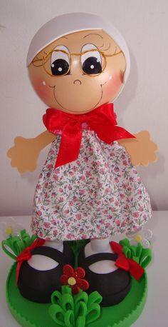 Boneca em eva 3d vóvó da chapeuzinho vermelho , favor verificar prazo de entrega antes de efetuar a compra .