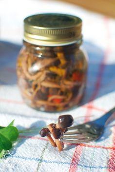 Ecco la mia ricetta per preparare degli ottimi funghetti sott'olio in casa vostra con ingredienti genuini.