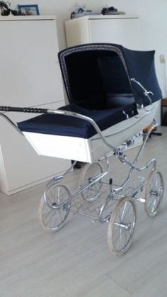 1000 images about landau et poussette on pinterest prams vintage pram and baby strollers. Black Bedroom Furniture Sets. Home Design Ideas