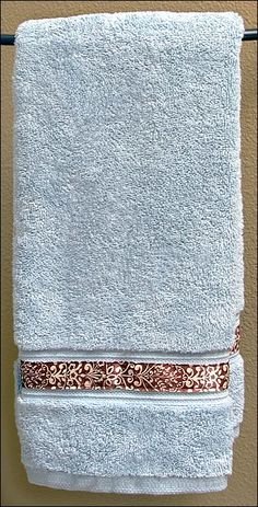 Ribbon Edged Hand Towel It just doesn't get any easier than this. Purchase a plain towel, then add your own decorative ribbon or ribbons. Craft Gifts, Diy Gifts, Best Gifts, Decorative Hand Towels, Bath Linens, Learn To Sew, Spring Crafts, Sewing Techniques, Cooking