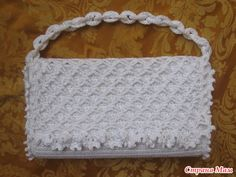 """New Cheap Bags. The location where building and construction meets style, beaded crochet is the act of using beads to decorate crocheted products. """"Crochet"""" is derived fro Crochet Clutch, Crochet Handbags, Crochet Purses, Bead Crochet, Crochet Crafts, Crochet Bags, Crochet Bag Tutorials, Crochet Patterns, Crochet Russo"""