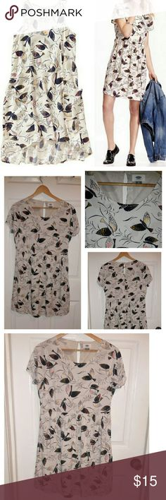 NWOT Old Navy white and black bird dress NWOT Old Navy white and black bird dress. Size M. Smoke free home! 100% Rayon SUPER cute! Old Navy Dresses