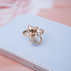 Beauty Cat Crystal Studded 18K Gold Plated Adjustable Ring
