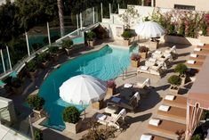 The Sunset Tower Hotel hotel is located in West Hollywood on the Sunset Strip, mi from the Hollywood Walk of Fame. Rooftop Bar Bangkok, Rooftop Pool, West Hollywood Hotels, Hollywood Hills, Restaurants, Ford, Hotel Pool, City Of Angels, California Usa