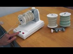 How to spin using an Electric Spinning Wheel - YouTube