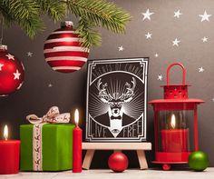 Obraz na ścianę z jeleniem. Plakat drukowany na płótnie Agents of change w świątecznym otoczeniu - specjalnie dla kreatywnych i odważnych!