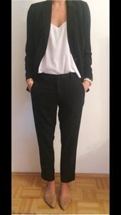 Most recent Photographs Business Outfit capsule Concepts, Business Outfit Frau, Business Outfits, Business Attire, Womens Fashion For Work, Work Fashion, Denim Fashion, Business Chic, Business Fashion, Sunday Outfits
