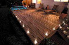 podświetlany drewniany taras