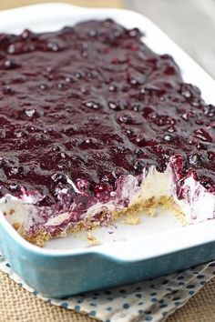 Irresistible, easy, no bake blueberry cream pie! Whip up dessert in no time with this recipe from scratch.