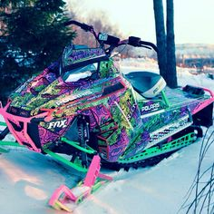 I wish my dad would teach me how to ride these sleds, im ashamed of it but I can only ride my old 1999 skidoo