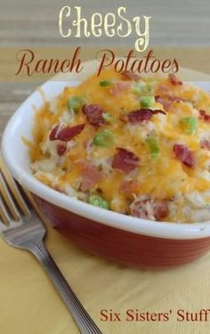 One of the best side dishes, made even easier by letting it cook in the slow cooker! With simple ingredients, it's easy to make and go with lots of main dishes. The whole family loves these easy cheesy potatoes, after all, what's not to love? Side Dish Recipes, Vegetable Recipes, Cheesy Ranch Potatoes, Mashed Potatoes, Funeral Potatoes, Pesto Potatoes, Ranch Potato Recipes, Potato Side Dishes, Cupcakes