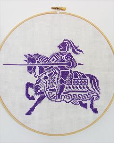 Medieval knight - Counted cross stitch ... very cool