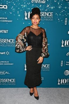 Yara Shahidi Photos - Honoree Yara Shahidi at Essence Black Women in Hollywood Awards at the Beverly Wilshire Four Seasons Hotel on February 2017 in Beverly Hills, California. - Essence Black Women In Hollywood Awards - Red Carpet Olivia Palermo, Together Fashion, Queen Fashion, Looks Plus Size, Vacation Outfits, Red Carpet Fashion, In Hollywood, Style Icons, Nice Dresses