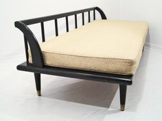 Mid-Century Asian Inspired Daybed Sofa   MIX