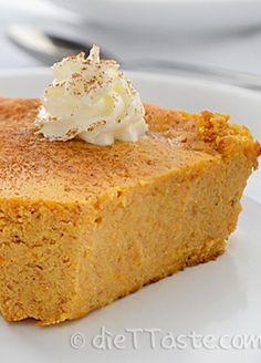 This healthy Crustless Pumpkin Pie is the perfect dessert choice!
