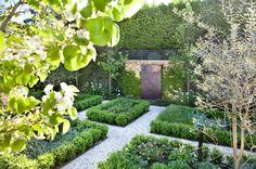 Traditional Landscape by Ian Barker Gardens