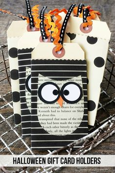 Surprise your kids this Halloween with these adorable DIY Halloween gift card holders! These little envelopes are made from craft paper, old book pages, and ribbon. They are sure to make someone smile! Learn how to create you own with this step-by-step tutorial.