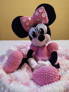 Háčkovaná minnie mouse 55 cm, - 70 € od predávajúcej peta_tvorimslaskou | Bazár - Modrý koník Crochet Toys, Minnie Mouse, Disney Characters, Peta, Blog, Blogging, Maps