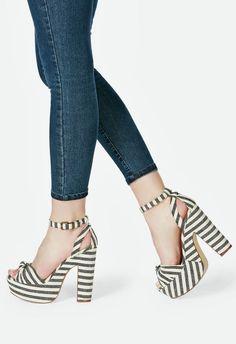 Chaussures Lawren en Noir/Blanc - Livraison gratuite sur JustFab