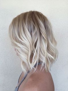 balayage, blonde hair, curls, girl, grey hair, hair, long hair, ombre, short hair Light Blonde Balayage, Platinum Blonde Balayage, Pearl Blonde, Short Blonde Haircuts, Light Blonde Hair, Blonde Bob Hairstyles, Balayage Hair Blonde, Darker Roots Blonde Hair, Lob Hairstyle