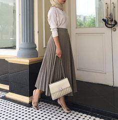 Selamat mengundi 🍒tap for details fashion – Hijab Fashion 2020 Modern Hijab Fashion, Street Hijab Fashion, Muslim Fashion, Modest Fashion, Fashion Outfits, Islamic Fashion, Cool Outfits, Trendy Fashion, Classy Fashion