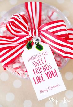 If you need a few easy Christmas gift ideas for neighbors, co-workers or friends I have 25 gift tags that you can pair with a small gift. No need to break the budget. These easy Christmas gift ideas w Teacher Christmas Gifts, Holiday Gift Tags, Homemade Christmas Gifts, Christmas Tag, Simple Christmas, Homemade Gifts, Teacher Gifts, Christmas Wrapping, Christmas Ideas